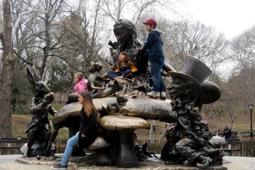 Alicia en el pais de las maravillas Central Park