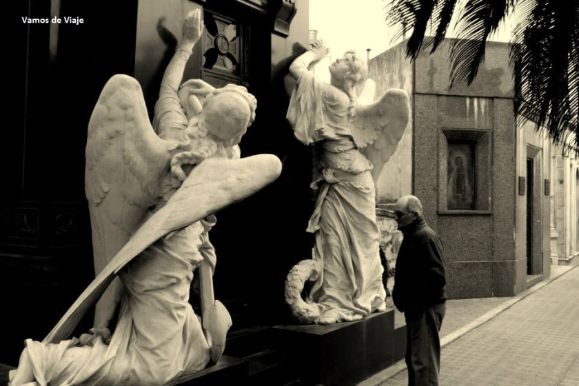 curiosidades del cementerio de la recoleta
