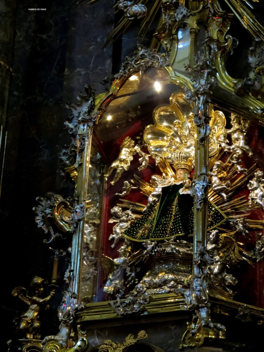 EL NIÑO JESUS DE PRAGA