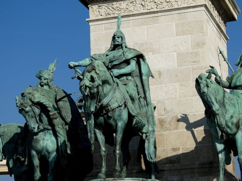plaza-de-los-heroes-en-budapest